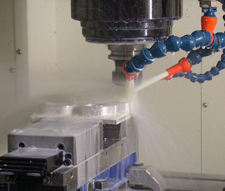 Wady i zalety maszyn CNC