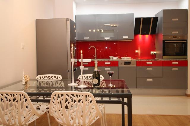 Co warto wiedzieć o nowoczesnych meblach kuchennych na wymiar