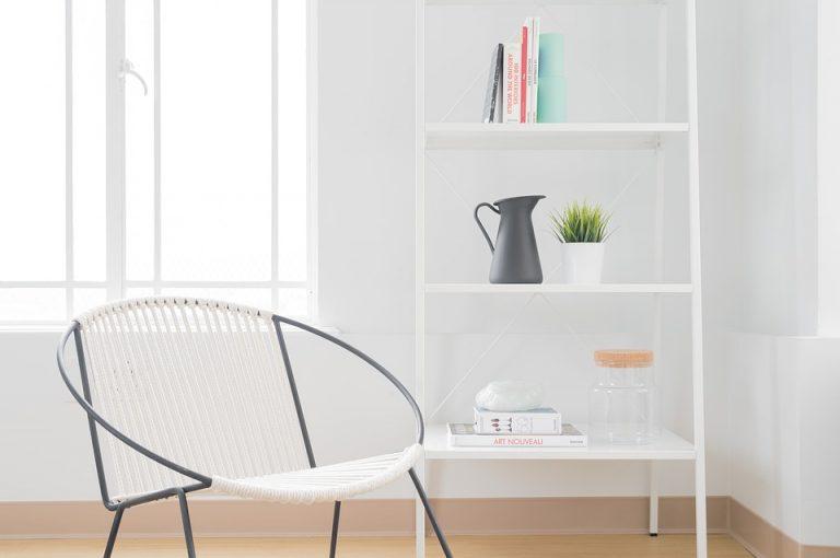Praktyczne krzesła o małych gabarytach