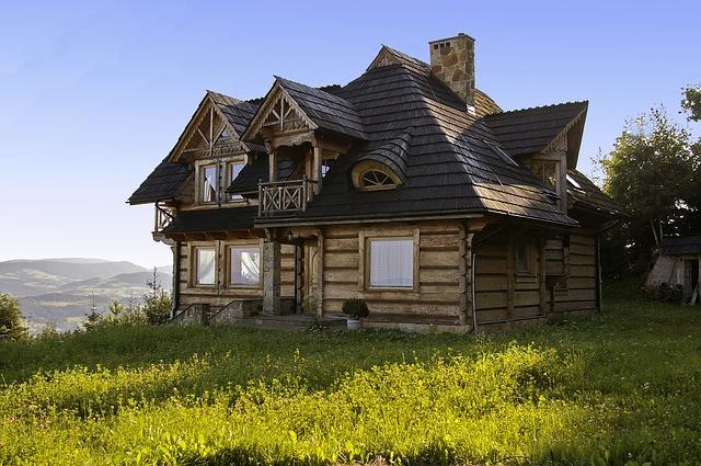 Letniskowy domek z drewna