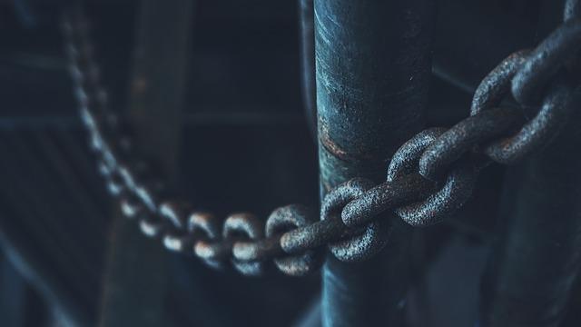 Budowa i rodzaje odciągów łańcuchowych