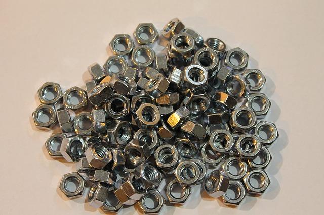 Zalety nitownicy akumulatorowej