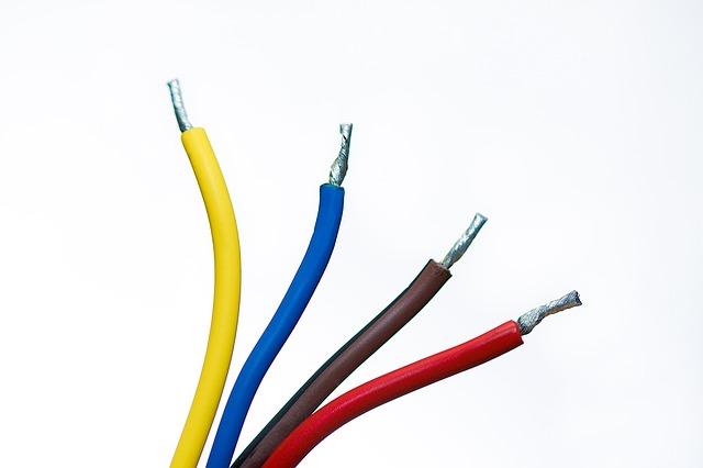 Z jakich nasuwek konektorowych korzystać?