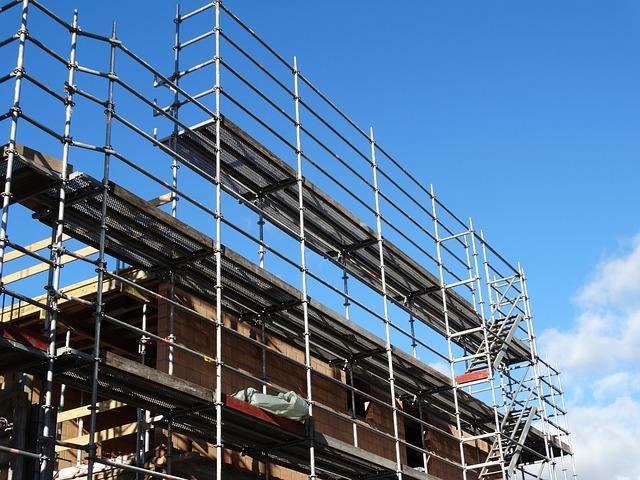 Budowa rusztowania w systemie Plettac